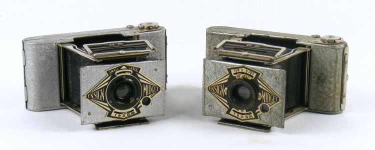 Image of Ensign Silver Midget cameras (Models S/33 and S/55)