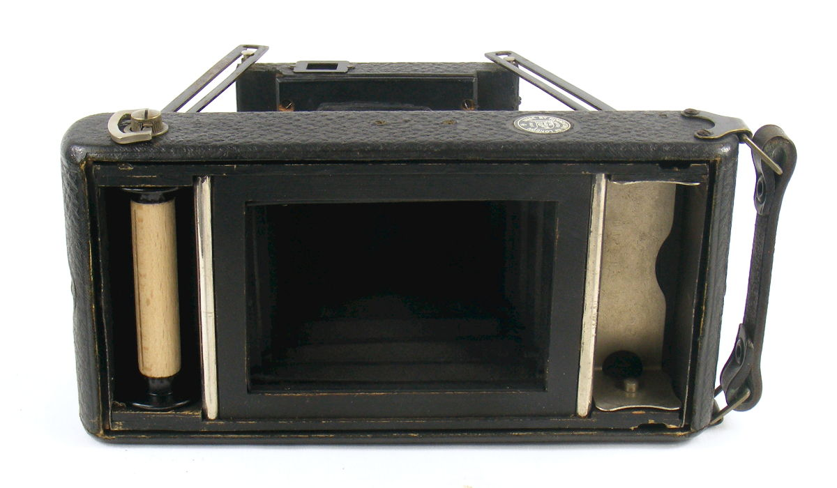 Image of inside of Houghtons Ensignette Junior Camera