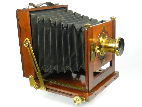 Image of the Hume Prize Outfit field camera