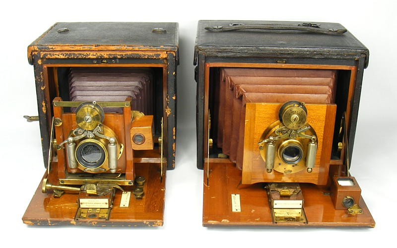 Image of No 4 Folding Kodak alongside the No 5 Folding Kodak