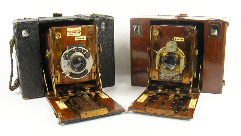 Image of Sanderson Roll Film camera alongside the Redding Roll-Film Camera