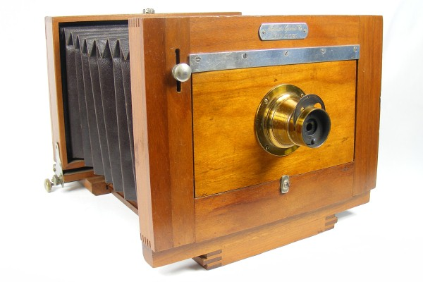 Image of the Rochester Optical New Model View camera