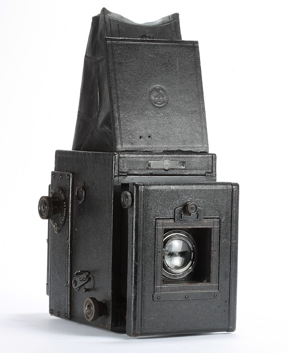 Image of Thornton-Pickard Ruby De Luxe SLR Camera