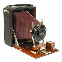 Thumbnail of Century plate camera