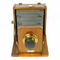 Thumbnail of The Clydesdale Set field camera by Spratt Brothers