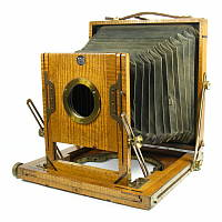 Thumbnail of unknown field camera marked By Royal Letters Patent